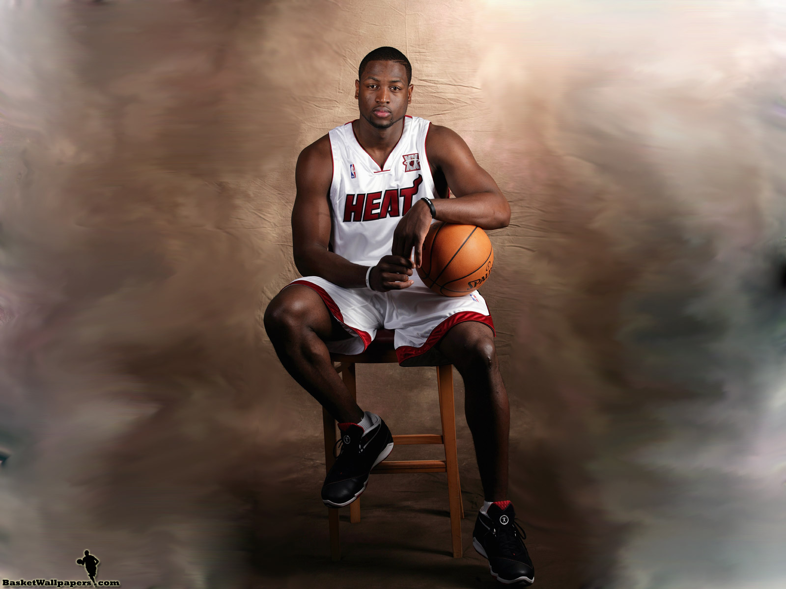dwyane-wade-sitting-wallpaper